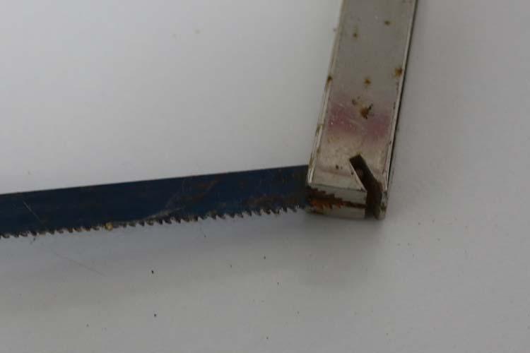 how to change a irwin hacksaw blade 5