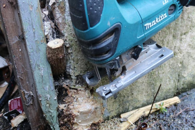 Jigsaw to big to get flush cut