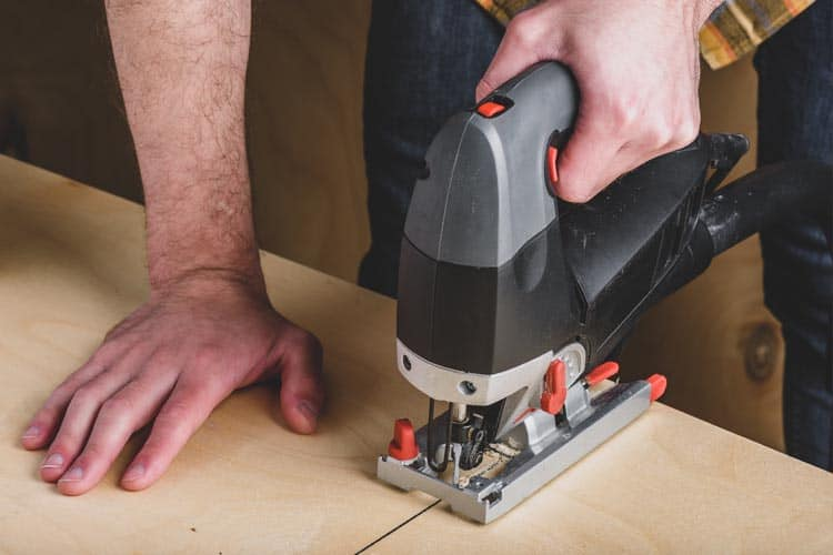 The best tool for cutting plywood