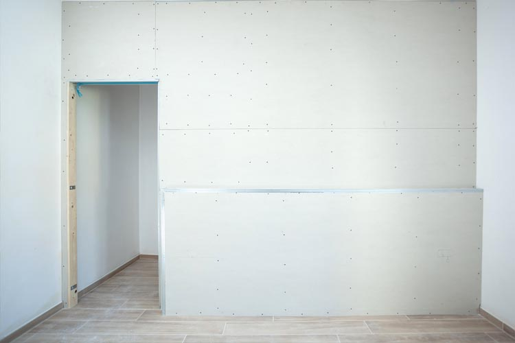 Can you paint straight onto plasterboard?